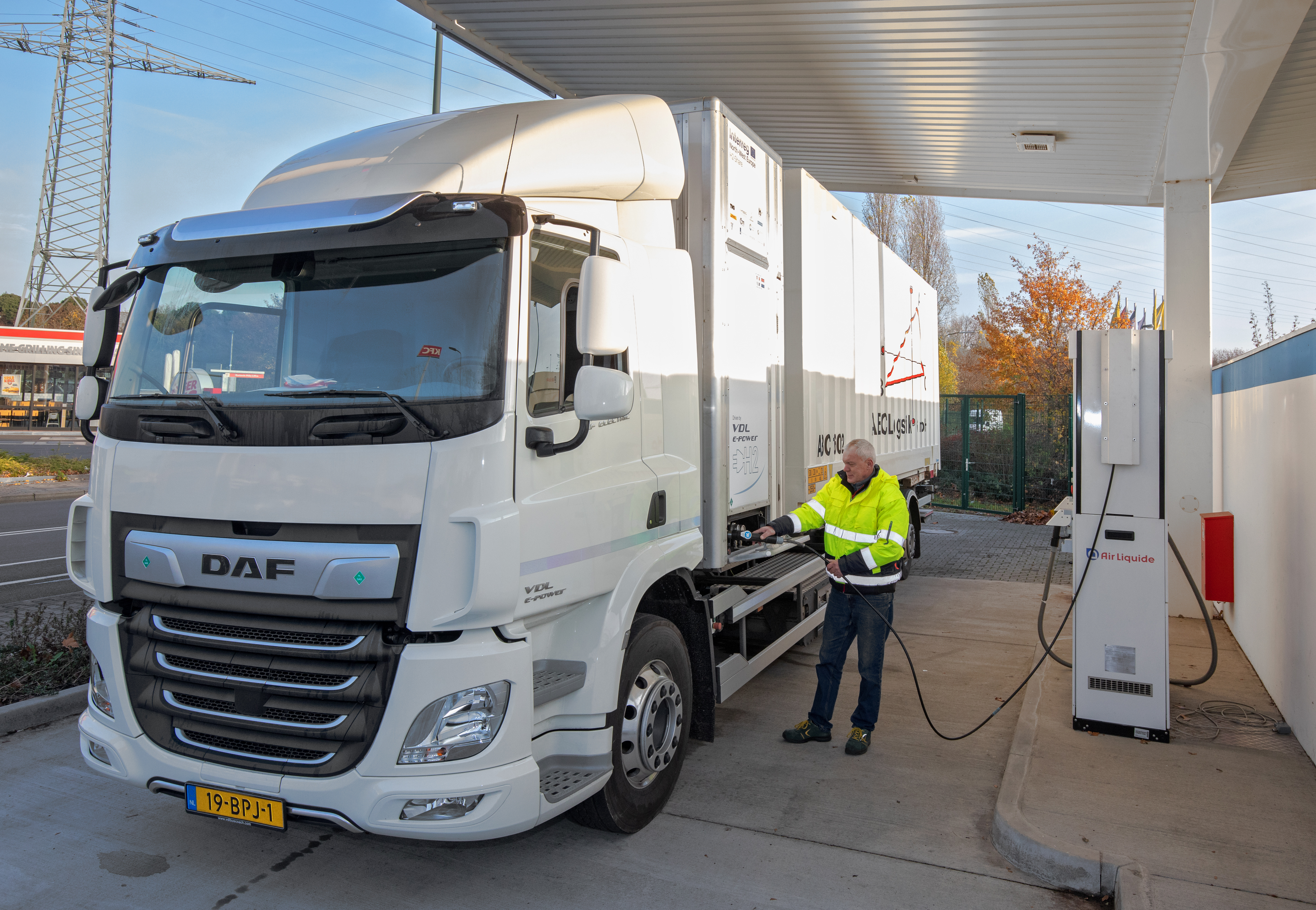 H2-Share-hydrogen-truck-demonstration-Dusseldorf-ABC-Logistik_2.jpg