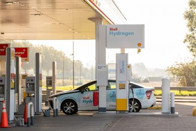 Shell opens first hydrogen refuelling station of H2Benelux in Amsterdam