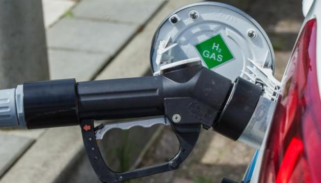 8 hydrogen stations in the BeNeLux